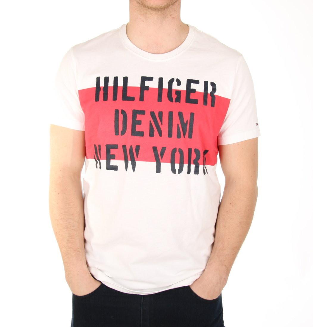 b3833ff20386 TOMMY HILFIGER pánské tričko bílé s červeným potiskem DM0DM00906 105 ...