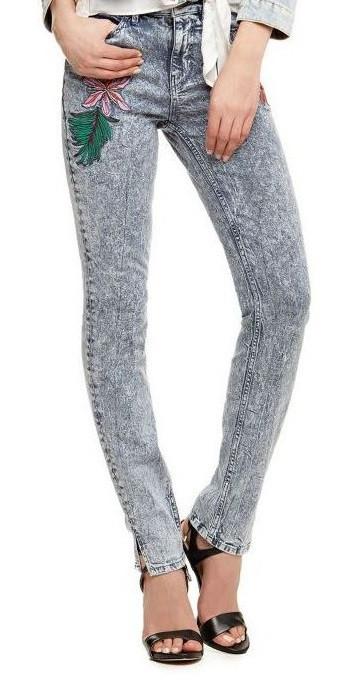Guess GUESS dámské džíny světle modré s výšivkami
