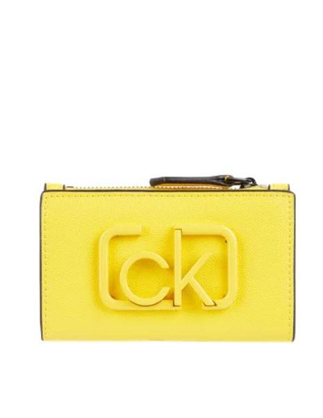 Calvin Klein Calvin Klein dámská žlutá peněženka Signature NS Cardholder