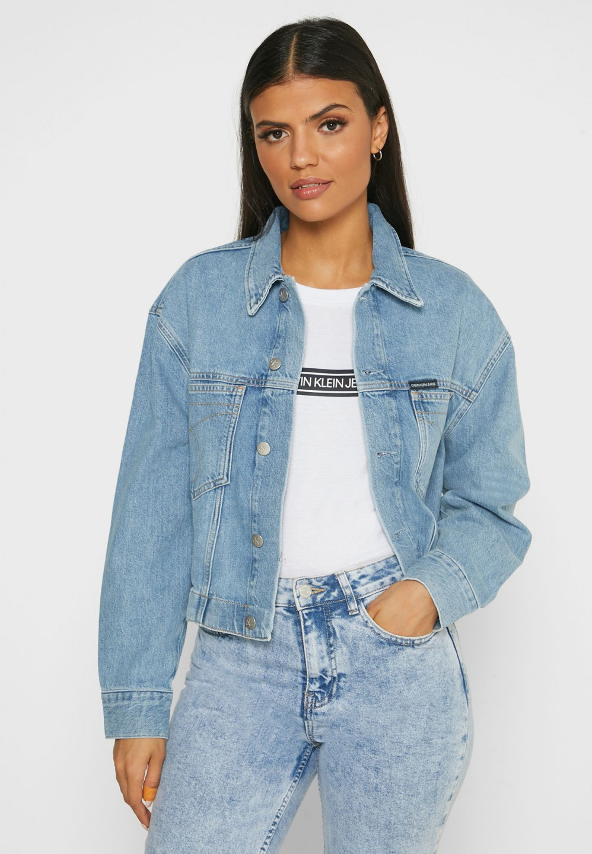 Calvin Klein Calvin Klein dámská džínová bunda CROPPED OVERSIZED